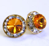 AR95 Xilion Chaton stud earrings, 8mm, gold finished